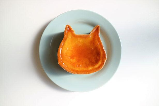 【写真】思わずSNSにアップしたくなるような可愛らしい猫型フォルムのチーズケーキ