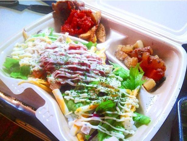 楽島TACO弁のタコスバージョン。ランチにはご飯を、というアイデアから生まれた