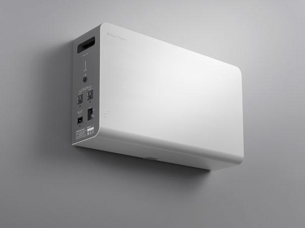 コンパクトな壁掛けタイプの蓄電システム「POWER YIILE HEYA(パワーイレ・ヘヤ)」。蓄電容量は1.3kWh