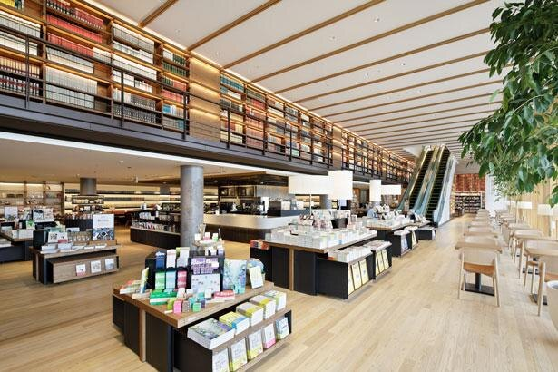 本との出合いが大幅に広がった、新しいスタイルの図書館/1stフロア