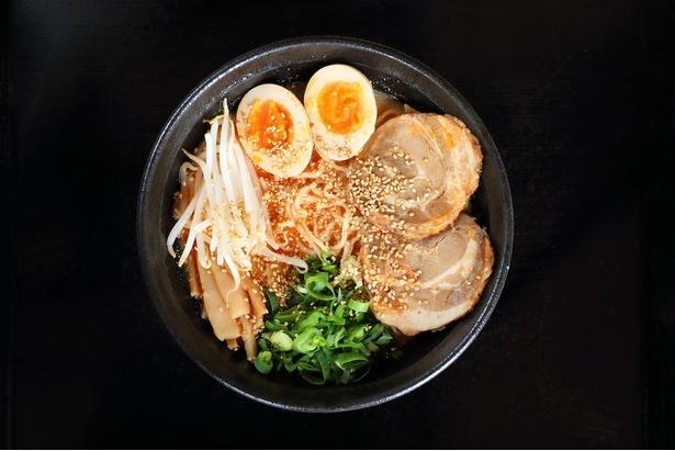 「らーめんパイタン」の「冷やしごま担々麺」(税込850円)は暑い日にぴったり!