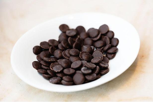 希少なクリオロ種のカカオを使用したチョコレートソースなど、チョコの風味を余すことなく味わえる / L'atelier de Michel Belin