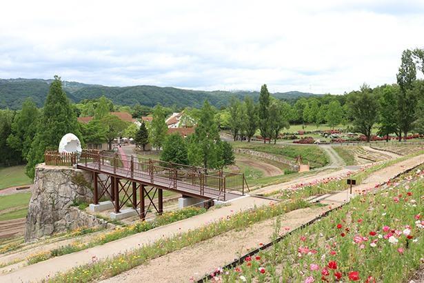 ドイツの農村をイメージした牧歌的な風景を楽しめる
