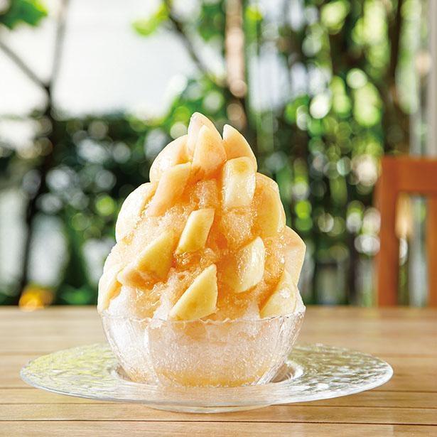 「まるごと桃氷」(税込 3600円) / 「CAFE SabuHiro(サブヒロ)」(名古屋市名東区)