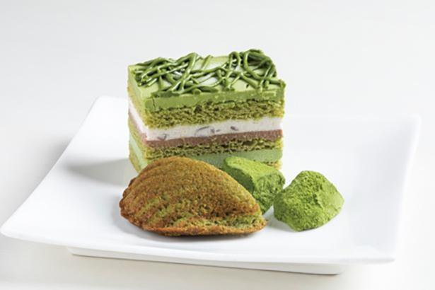 抹茶のわらび餅、伊勢の抹茶ケーキ、マドレーヌがのる /「カフェ TERRACE K」