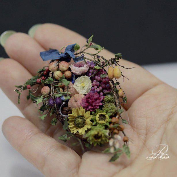 「本物の花かと思ったら、手のひらサイズ?」Rosyさんのこだわりが詰まったミニチュアフラワー