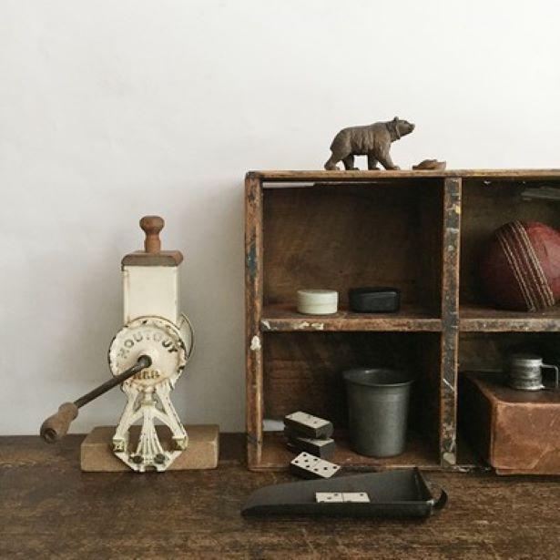 国内外から集めた古道具などが満載/古道具・アンティーク屋店主さんたちの蚤の市