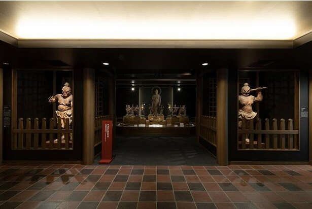 【写真】1階 東光院仏教美術室