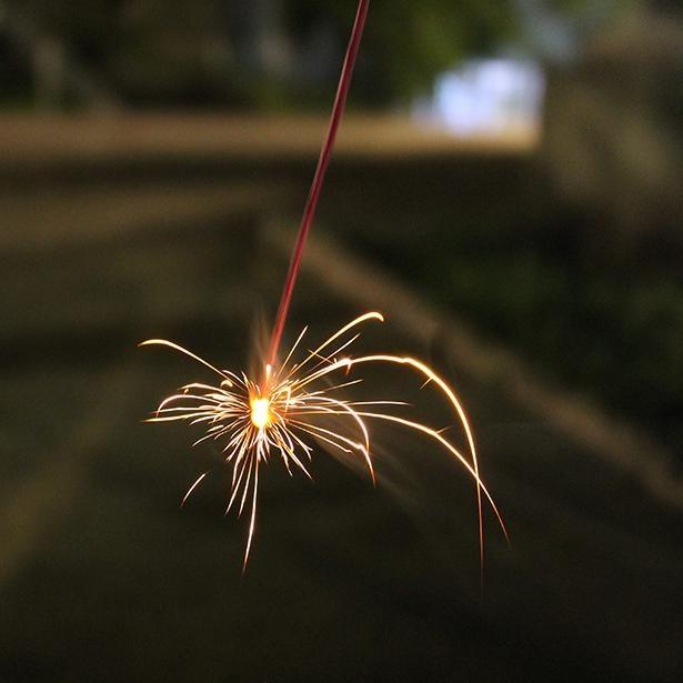 花火の写真投稿を募り、集まった写真で大きな花火の画を完成させるインスタグラムキャンペーンがスタート!