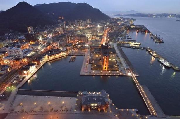 門司港レトロ展望室から望む夜景。デートスポットとしても人気