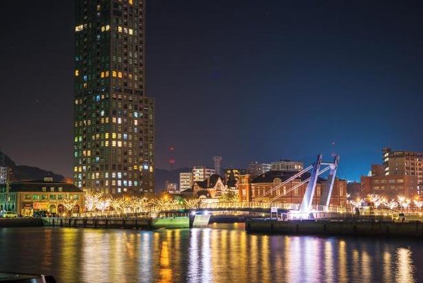 門司港レトロ一帯でロマンチックな雰囲気を演出する「門司港レトロ浪漫灯彩」