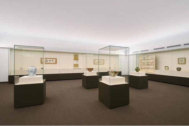 北大路魯山人の作品を約400点所蔵し、常時約120点展示