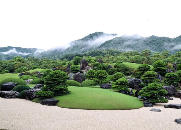 自然の景色と調和した庭園「枯山水庭」