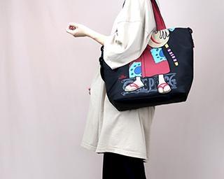 さりげないおしゃれが楽しめる「ONE PIECE」デザインの個性派バッグがヴィレヴァンオンラインに登場