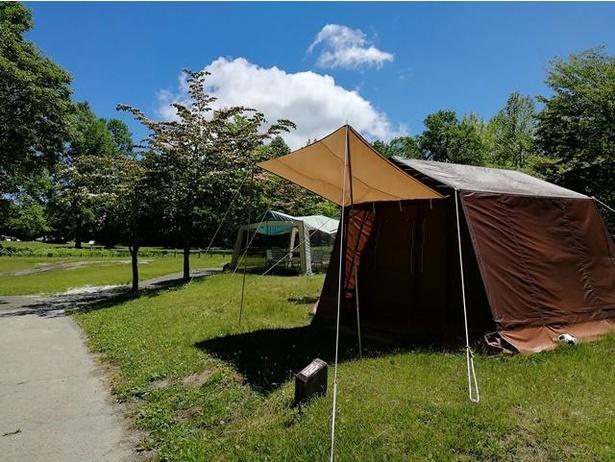 休暇村オリジナルロッジ型テント。使用料4110円、管理費大人1人510円