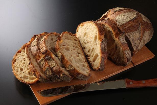 ライ麦がほんのり香る、もちもち食感のパンドカンパーニュ