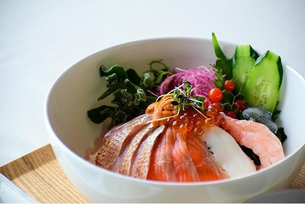 【写真】「海鮮丼は好手」の名言を生んだ三河鮮魚の海鮮丼