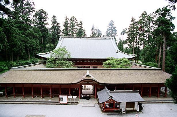 東塔の本堂であり延暦寺全体の総本堂である国宝 根本中堂