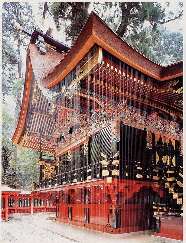 御祭神の武甕槌大神を祀る本殿。三間社流造の歴史的な建造物だ
