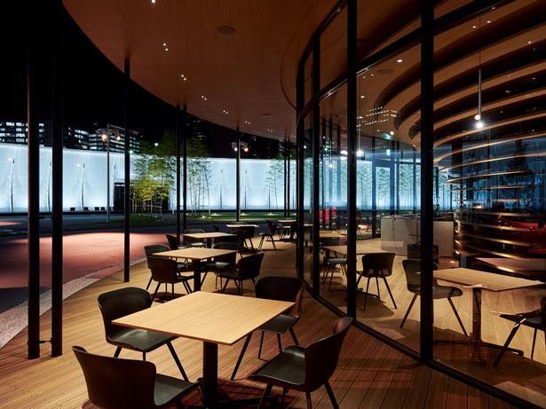 再生可能エネルギーで運営される「NISSAN CHAYA CAFE」