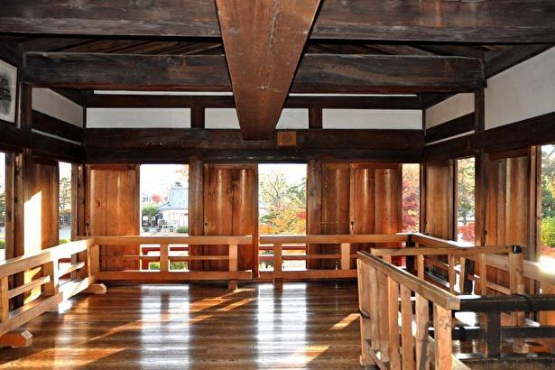 徳川家光を迎えるために建てた月見櫓。城郭建造物では珍しいという