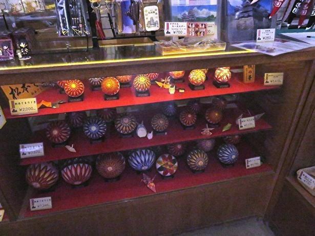 江戸時代中期から作られたという伝統手工芸品の松本手まり