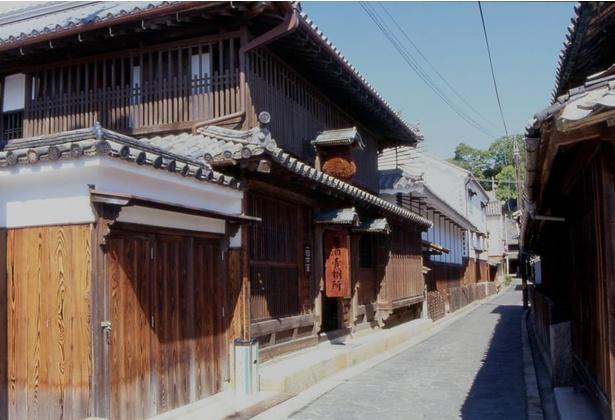 母屋や醸造蔵など9棟からなる「太田家住宅」
