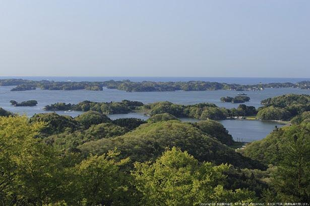 富山観音からは松島が一望でき、その景色は「麗観」と呼ばれる