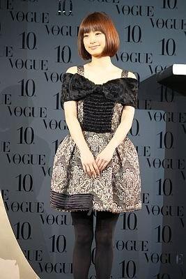 【美し過ぎる!ステキなドレス姿はコチラ】