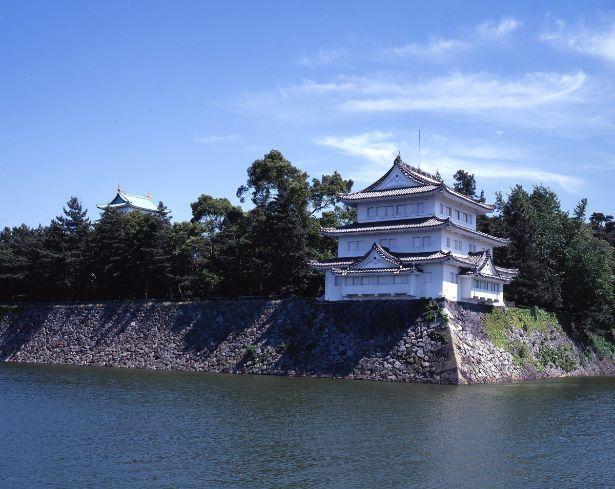 江戸時代から現存する三階櫓の中では、全国で2番目の大きさを誇る西北隅櫓