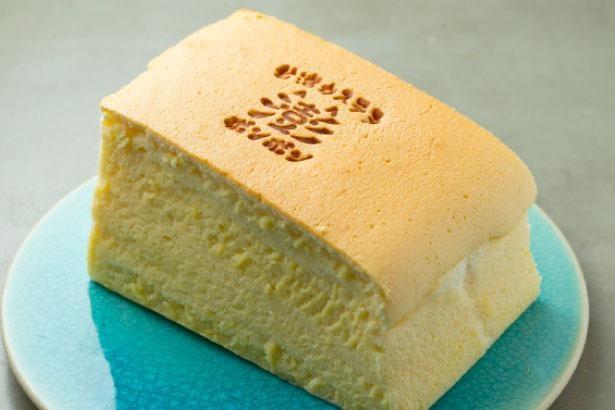 ポンポン(650円)。卵の風味も優しく広がる繊細さ/台湾カステラ専門店 澎澎 なんばCITY店