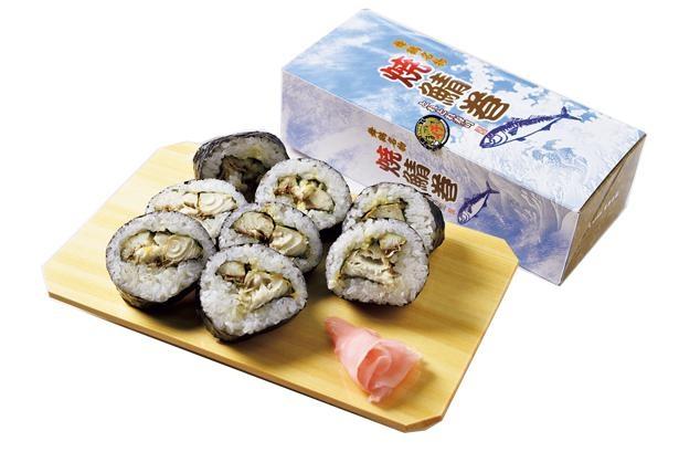 脂のり抜群の自家焼きサバを使った「とれとれ寿司」の焼鯖巻(1000円・税込)/道の駅 舞鶴港とれとれセンター