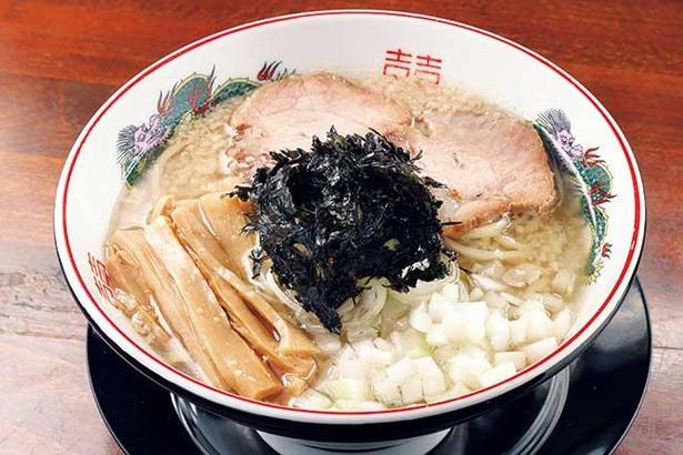燕三条系をイメージ。千葉や青森などから仕入れる6種の煮干しを使ったスープ