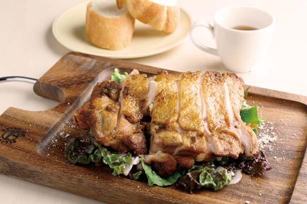 <人気No2>オランダ名物ボリュームたっぷり鶏もも肉のカプサロン仕立て(1200円)