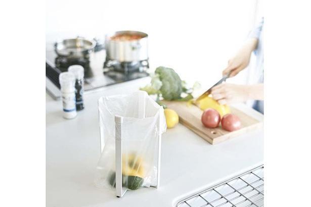 ゴミ箱以外にも、牛乳パック、ペットボトルなどを干す使い方も