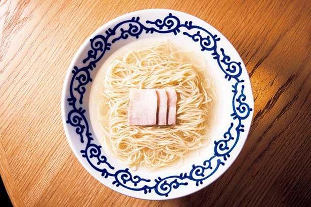 """飲んだあとの""""〆ラー""""で人気のあっさり豚骨スープ"""