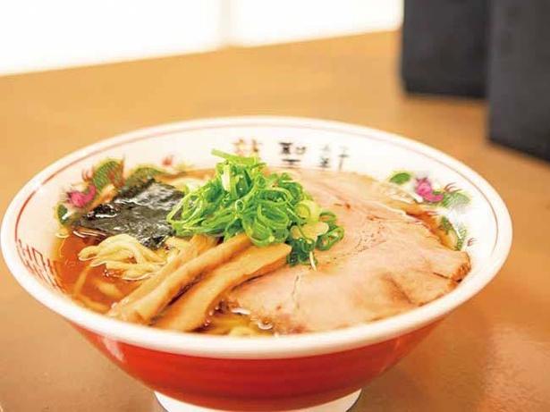 豚と太麺が印象的などっしり系