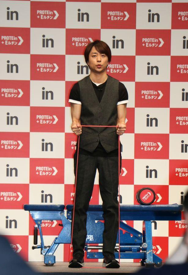 【写真】3週間で体を仕上げたという櫻井翔