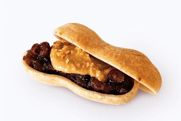 種実 落花生(200円)。有機ピーナッツを店内でペーストにしてサンド。程よい塩けもくせになる/種嘉商店