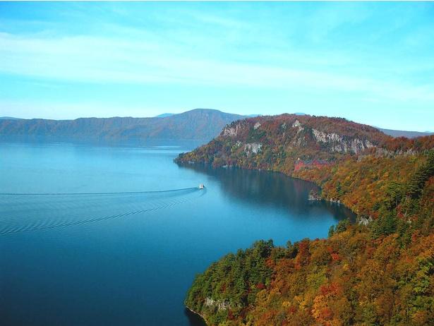 青森県と秋田県にまたがる十和田湖