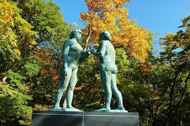 高村光太郎の最後の作品として知られる乙女の像は、十和田湖のシンボル的存在