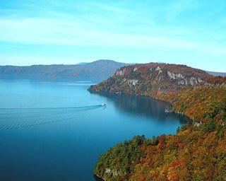 十和田湖の楽しみ方を徹底紹介!青く澄んだ水と豊かな緑のコントラストが絶景【コロナ対策情報付き】