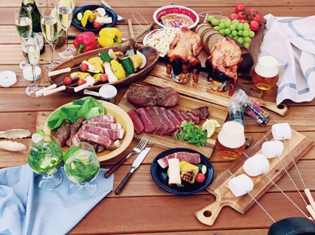 「国産肉BBQセット」(1人前 3000円)※写真は8人前 / LAGUNA BEACH SEASIDE MAGIC