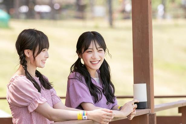 シングル「だってだってだって」で初センターに選ばれたココナちゃん(写真左)と、初選抜のすーちゃん(写真右)。初々しい2人の掛け合いに注目