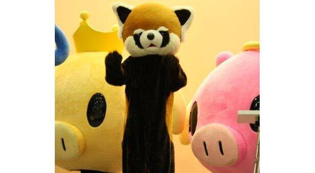 【多彩な千葉県のゆるキャラ】ホーリー&アンジーに挟まれたレッサーパンダの風太くん