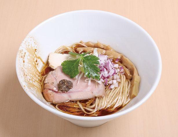 「名古屋コーチンの醤油らぁ麺」(税込800円) / らぁ麺 彩(いろ)どり(愛知県瀬戸市)