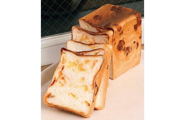 """世にも奇妙な""""トウガラシ入りパン""""! 他、変り種パンが盛りだくさん"""