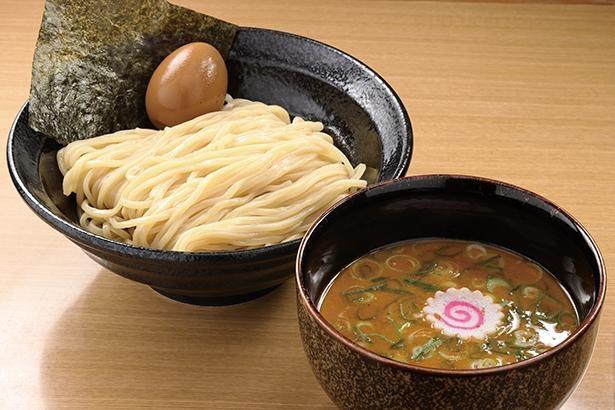 8年かけて作り上げたオリジナルの味噌ダレを使用した「味噌煮玉子つけ麺」(税込990円) /「大勝軒SHIBAKI」