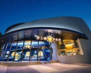 東京ディズニーランド初のポップコーン専門店が誕生!「ベイマックス」の乗り物型バケットも