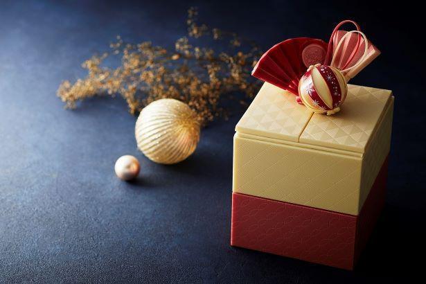 【写真】チョコレートでできた「玉手箱」。チョコレートや焼き菓子、ショートケーキとワクワクが詰まったラインナップを紹介!